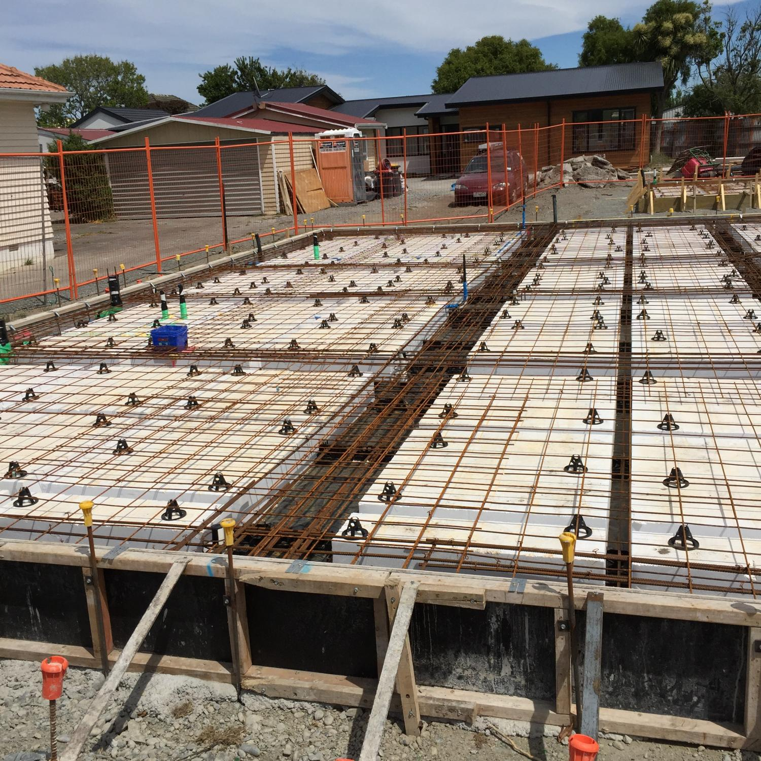 solid raft foundation A raft foundation consists of a raft of reinforced concrete under the whole of a building this type of foundation is described as a raft in the sense that the concrete raft is cast on the surface of the ground which supports it, as water does a raft, and the foundation is not fixed by foundations carried down into the subsoil.